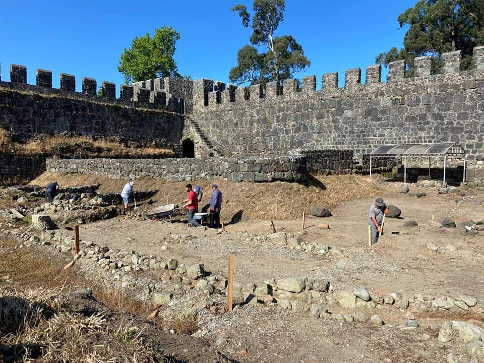 არქეოლოგიური გათხრები  გონიო–აფსაროსის ციხეში