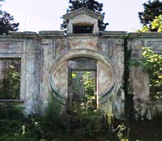 Бывшая школа Цихисдзири в Кобулети получила статус памятника