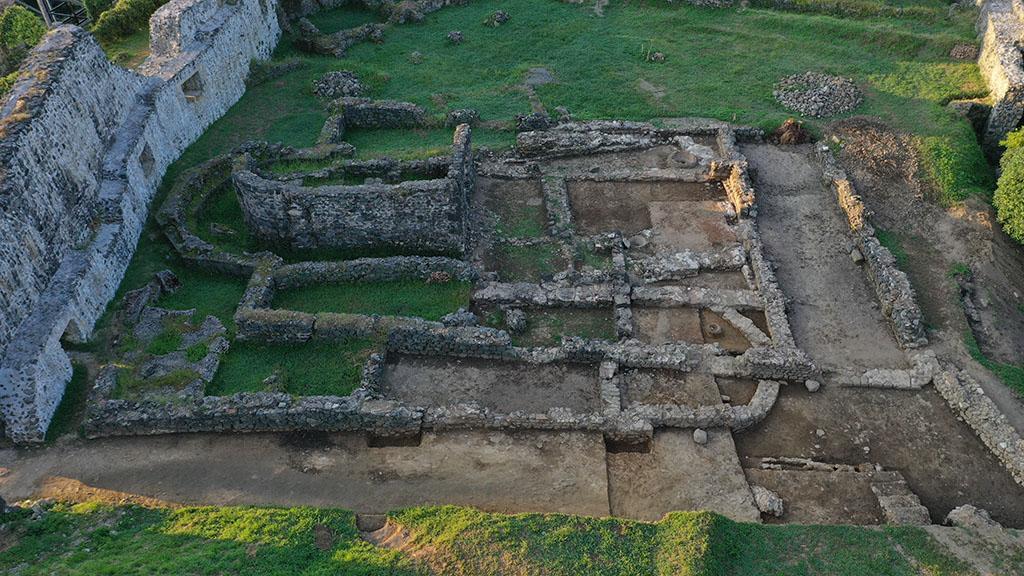 პეტრას ციხეზე   არქეოლოგიური ექსპედიცია დასრულდა