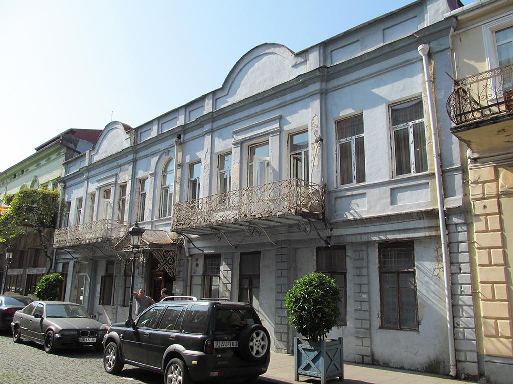 რ. ლაღიძის სახელმწიფო სამუსიკო კოლეჯი (RU)